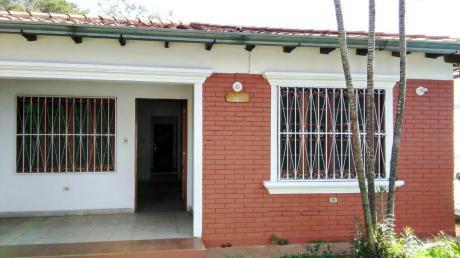 Tierra Inmobiliaria - Hermosa Casa De 3 Dormitorios En Fdo. Zona Sur!!