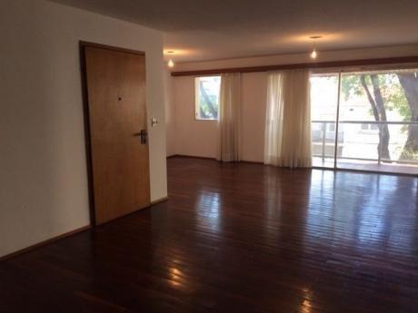 Importante Apartamento En Punta Carretas