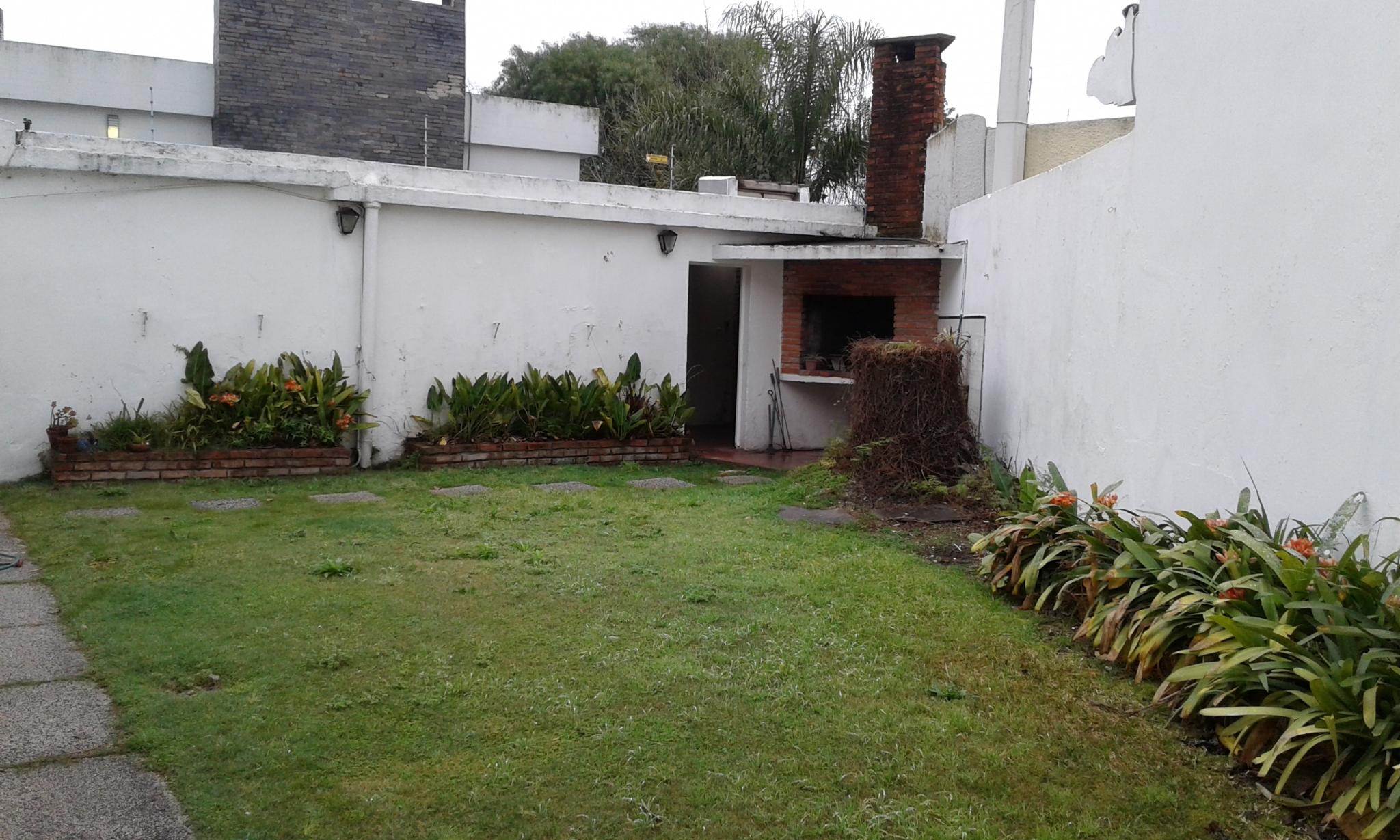 Casa en centro de Carrasco