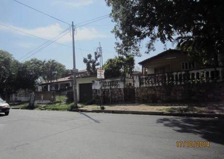 Vendo Sobre Itapua 1154  M2. Entre Sacramento Y Molas LÓpez...