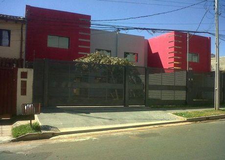 Vendo Dos Duplex A Estrenar, Zona  Detras  Stock  Cacique  Lambare.... Con Piscina..