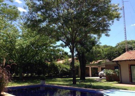 Hermosa Casa En El Barrio Cerrado Surubii