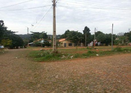 Unico Terreno De 18 X 22 M2 A 20 Metros De Asfalto  En Fndo De La Mora Zona Sur