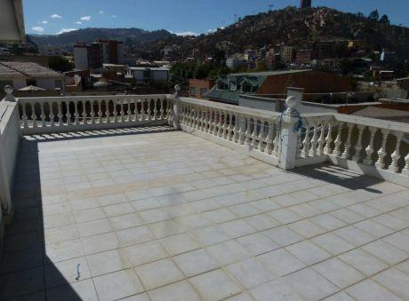 Casa En Alquiler En Seguencoma La Paz $us 1,600