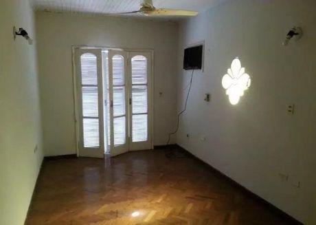 Duplex De Tres Dormitorios Zona Aviadores Del Chaco Y Santa Teresa