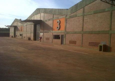 Alquilo Tinglados De 1.124 M2 Zona Aeropuerto En Mra