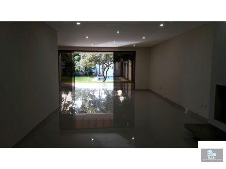 Vendo Hermosa Residencia En Mburucuya