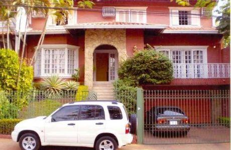 Vendo Residencia En Stma. Trinidad Sobre Avda. Residencial- La Mejor UbicaciÓn