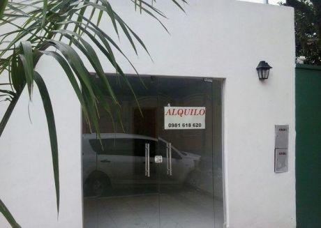 Un Salon Comercial Zona Villa Morra Cerca De La Universidad San Carlos
