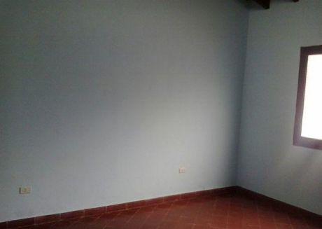 Una Casa Sobre Otazu A Cuatro Cdras De La Avda Peru