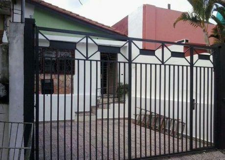 Vendo Una Casa En Barrio La Encarnacion En Asuncion Zona Palacio De Justicia