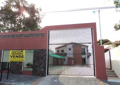 Un Edificio Con 4 Departamentos A Estrenar