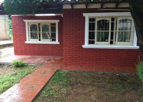 Vendo Casa A Precio De Un Alquiler En San Lorenzo 3 Cuadras De  Av. La Victoria  2 Millones Mensual