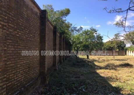 Oferto En Brrio. Trinidad Terreno 630 M2 Y 5 Cuadras De Av. Transchaco En Esquina