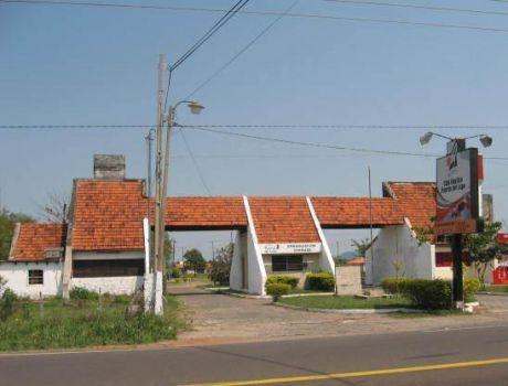 En San Bernardino, Inmponente Residencia En Puerta Del Lago, 5 Dmts., 1 En Suite, 4baños, Piscina Con Filtro.