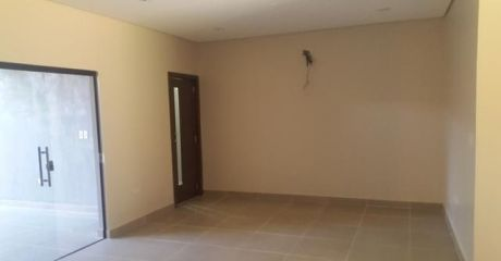 Alquilo Duplex En Barrio Cerrado - Luque
