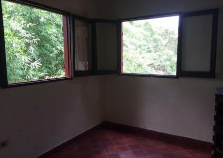 Alquilo Amplio Departamento En Zona Pinedo De 2 Dormitorios