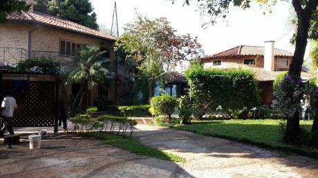 A-006 Duplex En Condominio - Barrio Los Laureles