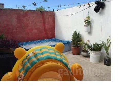 Con Azotea! Gastos C. $1.300, 2 Dorm, Imperdible, Centro!!