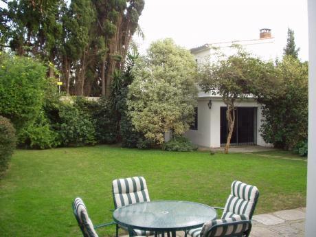 Residencia En Carrasco, Inmejorable UbicaciÓn