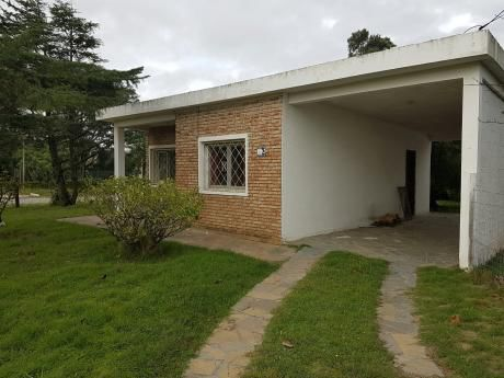 Sur. A 1 De Av.uruguay. Casa + Apto Independiente