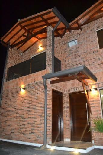 Hermoso Y Amplio Duplex En Pozo En Zona Laguna Grande 240 M² Terreno