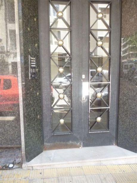 Edificio De Estilo,apto Amplio, Con Bajos Gastos Comunes