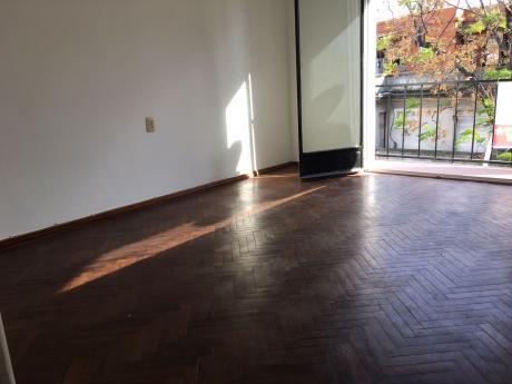 Alquiler De Apartamento 1 Dormitorio En Palermo, Montevideo