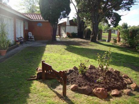 Excelente Casa - A 1 Cuadra De La Rambla De Piriápolis - 5 Dorm 2 Baños 900 M2