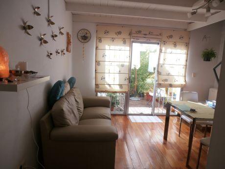 Ref 1833, Muy Lindo Apartamento 1 Dorm Con Patio