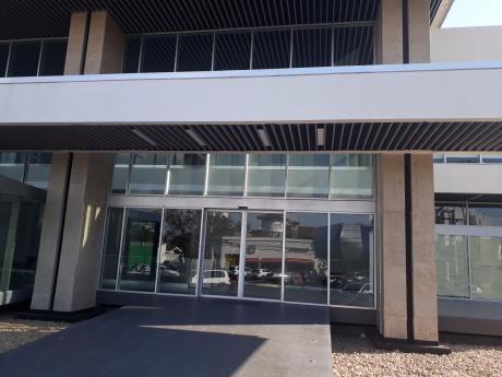 Ambassador Bussines Center Oficina En Alquiler