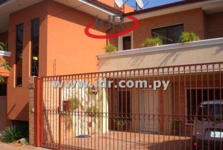Zona Centro Paraguayo Japones Casa De 5 Dormitorios - Www.idr.com.py