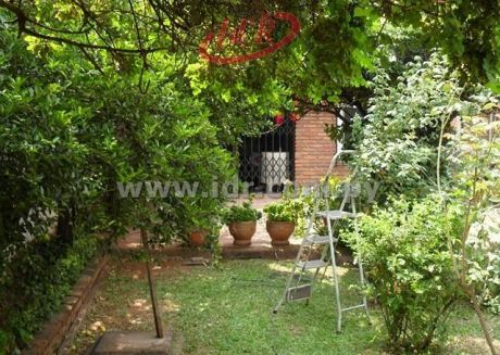 Villa Morra Sobre Asfalto Especial Para Inversionistas!!