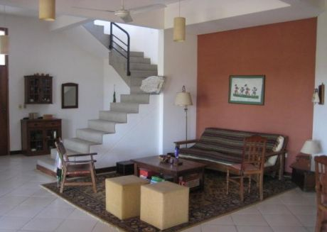 Magnifica Oportunidad Excelente Casa En La Zona Con La Mejor PlusvalÍa De AsunciÓn - Surubi ´i  V162