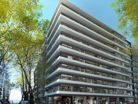 Moderno Y Luminoso Penthouse A Mts. De Rbla.!!