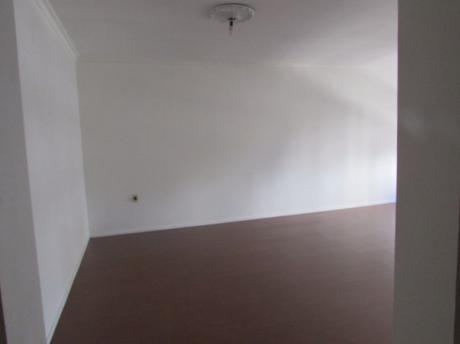 Amplio Apartamento Sobre 18 De Julio