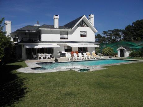 Hermosa Casa Totalmente Reciclada, A Pasos Del Mar, Todas Las Comodidades