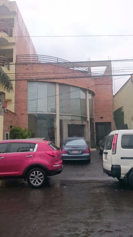 V-002 Edificio Corporativo - Barrio Los Laureles