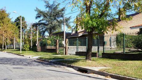 Oportunidad!!!casa Con Terreno De 989 Metros, Carrasco Norte.