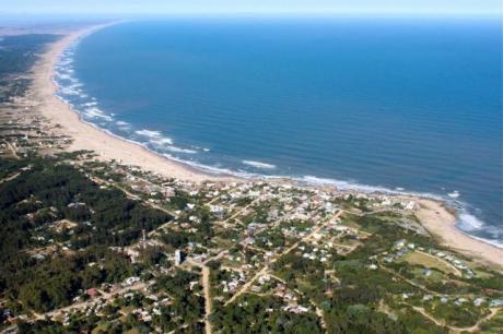 Terreno En Excelente Ubicación Frente Al Mar, En La Palom !
