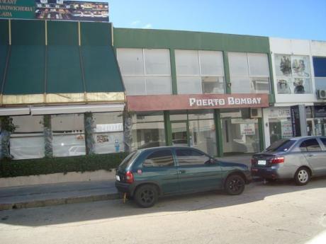 Excelente Local A Pasos De La Calle 20