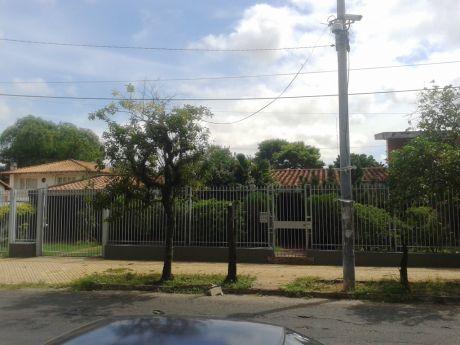Hermosa Residencia   S/ Alfredo Seiferheld  C/  Mauricio Cardozo (asuncion)