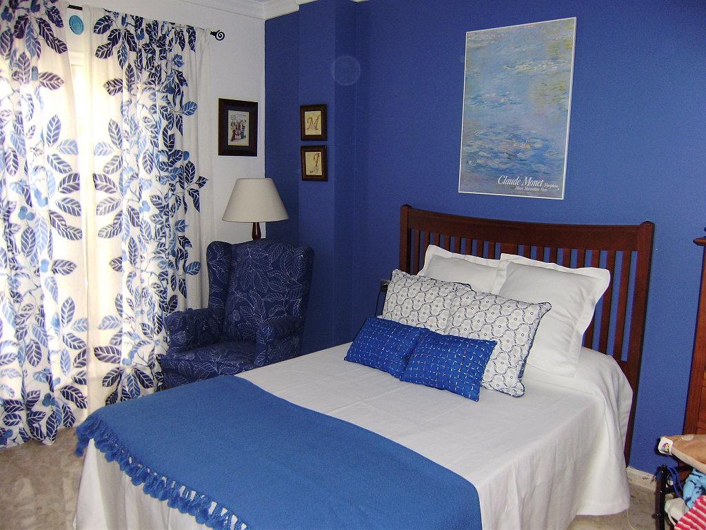 Qu colores elegir a la hora de pintar el dormitorio - Colores azules para habitaciones ...