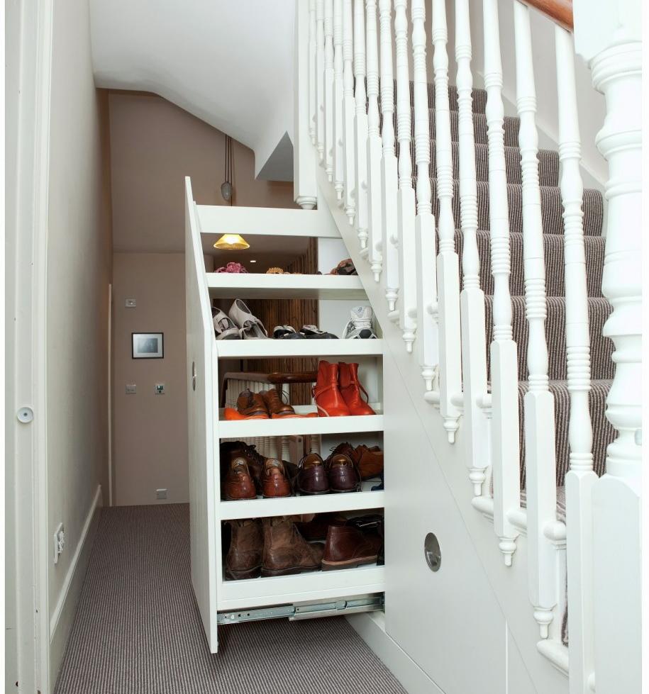Ideas creativas para aprovechar el espacio debajo de las for Zapateras para espacios pequenos