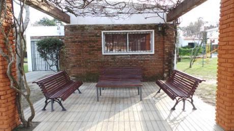 Casa 2d + Patio C/bbq En Cooperativa / Carrasco Norte