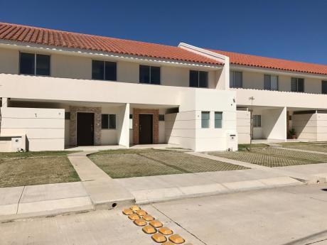 Casa En Venta O Alquiler Condominio Palmas Del Oeste
