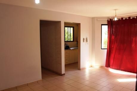 Departamento De 1 Dormitorio En Condominio Zona Centro
