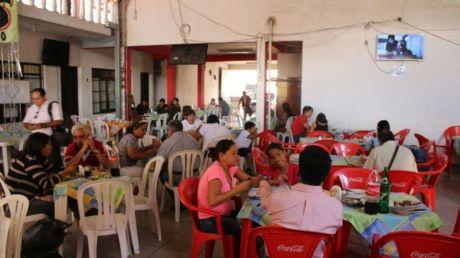 Casa Centrica Y Comercial Con Vivienda Y Negocio