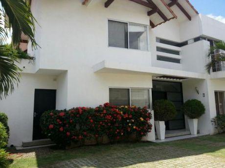 Hermosa Casa En Condominio Cerrado
