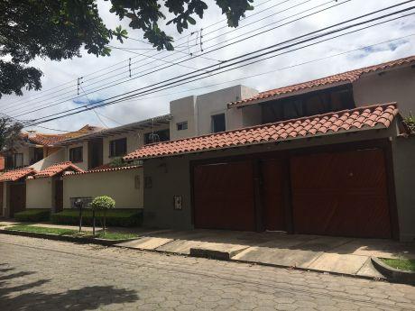 Hermosa Casa En Venta  Zona Residencial